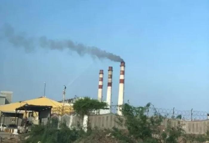 شركات الطاقة تمنع إمداداتها عن كهرباء عدن كليا