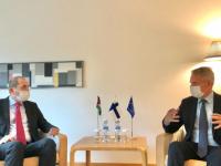 الصفدي يبحث القضايا الإقليمية مع وزير خارجية فنلندا