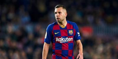 ألبا يوافق على خفض راتبه لدعم برشلونة