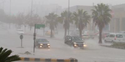 أمطار مصحوبة بعواصف تُسقط 20 منزلًا بموريتانيا