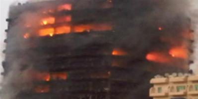 إخماد حريق ضخم اندلع بمبنى سكني بميلانو