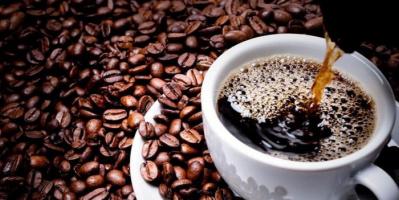 خبيرة تحذر مصابي كورونا من الشاي والقهوة