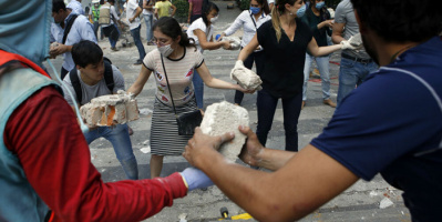 زلزال بقوة 7.4 درجة يضرب غرب المكسيك