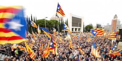 أنصار انفصال كاتالونيا يتظاهرون في برشلونة