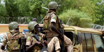 مقتل 5 جنود على يد متطرفين في مالي