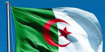 مصرع وإصابة 24 شخصًا في حادث تصادم بالجزائر