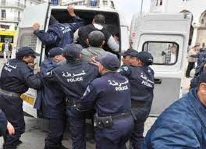 اعتقال ناشط سياسي بارز في الجزائر