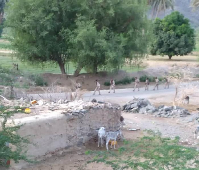الشرعية تبدأ تسليم شبوة.. مليشيا الحوثي تتوغل في بيحان