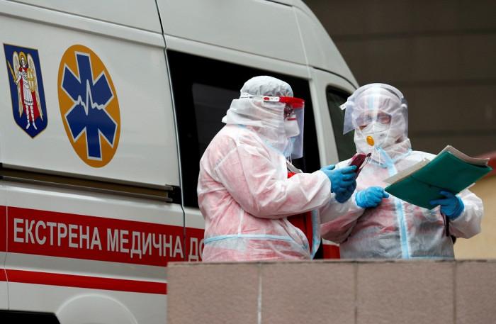 أوكرانيا تسجل 99 وفاة و6624 إصابة جديدة بكورونا