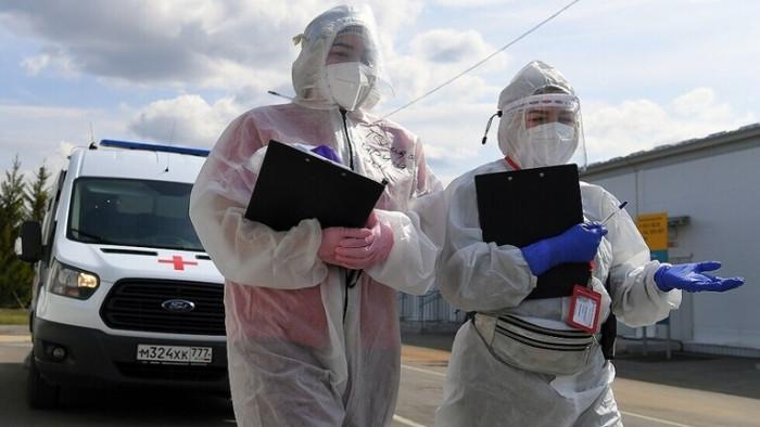روسيا تسجل 791 وفاة و 19905 إصابات جديدة بكورونا