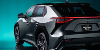 تويوتا تقتحم عالم السيارات الكهربائية بطراز bZ4X