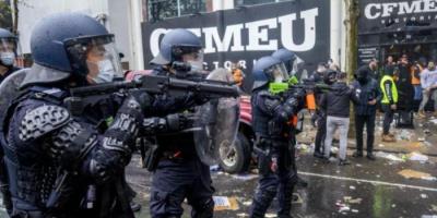 اشتباكات بين شرطة ملبورن ومتظاهرين بسبب لقاح كورونا