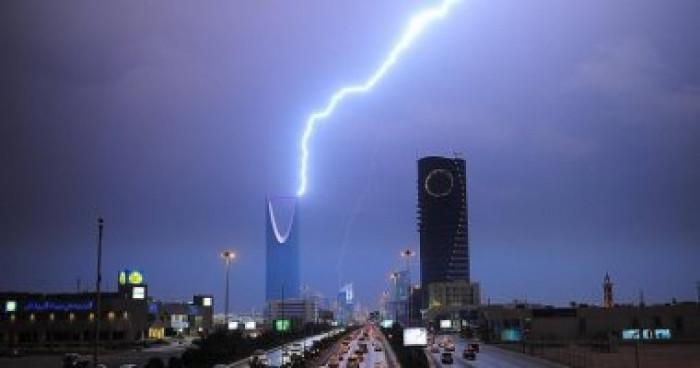 توقعات بهطول أمطار رعدية.. حالة طقس اليوم الخميس بالسعودية
