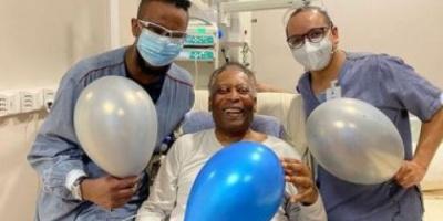 بيليه يطمئن جمهوره على حالته الصحية