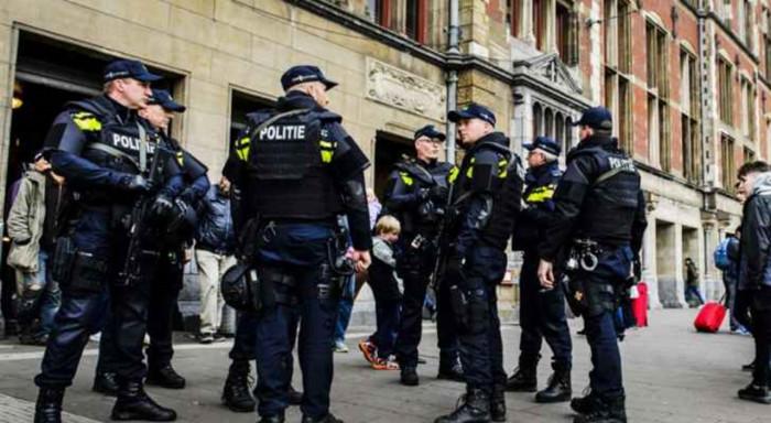 هولندا: اعتقال 9 أشخاص للاشتباه في تخطيطهم لعمل إرهابي