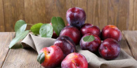 فوائد مذهلة لفاكهة البرقوق.. تعرف عليها
