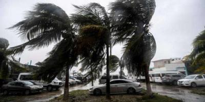 أمريكا: إعصار سام يتحول إلى الفئة الرابعة