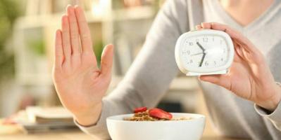 نظام رجيم الصيام المتقطع.. كل ما تريد معرفته لإنقاص وزنك