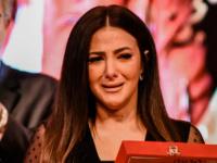 رامي رضوان يدعم دنيا سمير غانم بعد انهيارها خلال تكريم والديها
