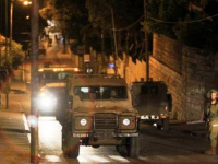 قوات الاحتلال تعتقل 3 فلسطينيين بمحيط باب العامود