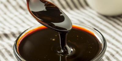 العسل الأسود.. كنز ثمين من الفوائد