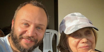 بصور نادرة.. مكسيم خليل يحيي أربعين والدته