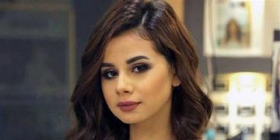 منة عرفة تروج لأغنيتها الجديدة (فيديو)