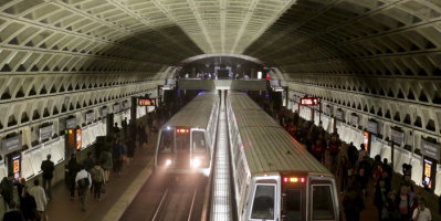 انحراف قطار عن سكته بمترو الأنفاق في واشنطن