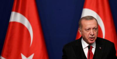 هبوط الليرة لمستوى قياسي بعد عزل أردوغان أعضاء بالمركزي