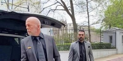 محمد كريم يروج لفيلمه الجديد مع بروس ويلس