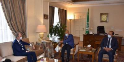 أبو الغيط يستقبل المبعوث الأممي لسوريا بمقر الجامعة العربية