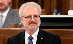 إصابة رئيس لاتفيا بفيروس كورونا عقب عودته من السويد