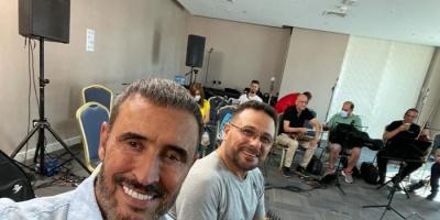 بصورة من البروفات.. كاظم الساهر يستعد لحفله في إكسبو 2020 دبي