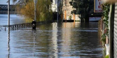 فيضانات اليونان تغلق المدارس