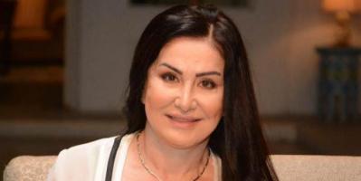 """وفاء سالم امرأة أرستقراطية مع هاني رمزي في """"القاتل الذي أحبه"""""""