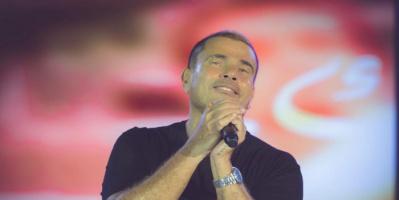 بالصور.. عمرو دياب يشعل مسرح حفله في الأردن