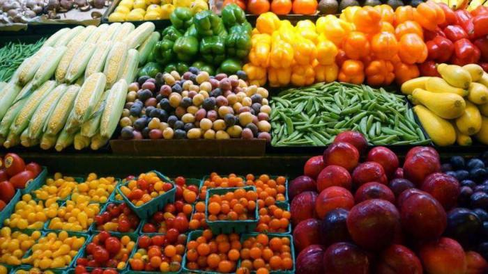 تفاوت في أسعار الخضروات والفواكه بأسواق عدن اليوم الأحد