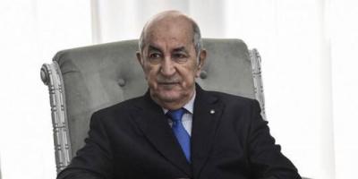 الرئيس الجزائري يقف دقيقة حداد على أرواح شهداء وضحايا مجازر اكتوبر
