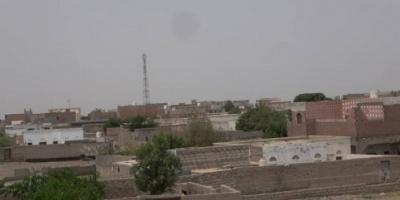 مدفعية الحوثيين تقصف المدنيين في التحيتا