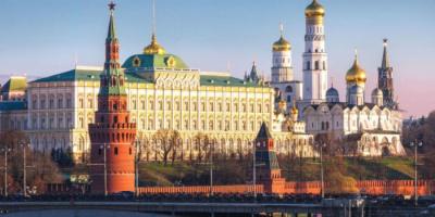 روسيا: سقوط جزء من جدار الكرملين بسبب الرياح والأمطار الشديدة